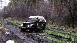 По грязи на ГАЗ-69 смотреть видео прикол - 1:59