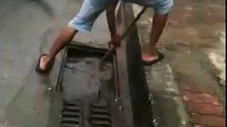 Как ловят рыбу вьетнамцы смотреть видео прикол - 1:59