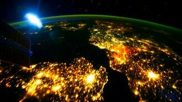 Какой видит Землю экипаж МКС смотреть видео - 1:55