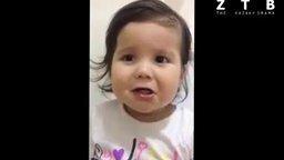 Очень эмоциональная девочка смотреть видео прикол - 0:55