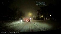 Удар молнии зимой! смотреть видео - 0:17