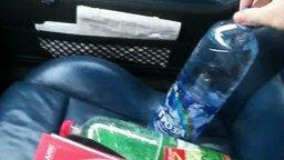 Вода в бутылке замерзает на глазах смотреть видео - 2:03
