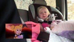 Эмоциональная девчушка смотрит мультик смотреть видео прикол - 2:42