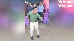 Танец вне ритма смотреть видео прикол - 0:25