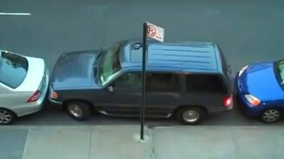 Смотреть Зажали мужика на парковке