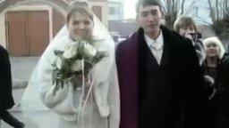 Смотреть Невеста вывихнула челюсть