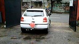Смотреть Прикольный датчик парковки