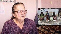 Реакция бабушки на мытьё детей в Индии смотреть видео прикол - 1:15