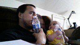 Смотреть Отец берёт пример с сына