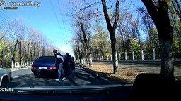 Осмотрительные и неравнодушные водители смотреть видео - 3:14