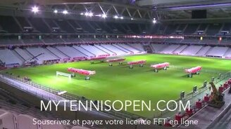 Смотреть Певращение футбольного поля в сцену