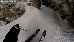 Смотреть Захватывающий дух лыжный спуск