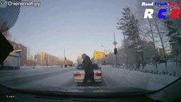 Добрые дела на дороге смотреть видео прикол - 3:22