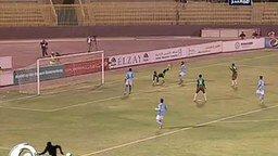 Вратарь сам себе гол забил смотреть видео - 0:58
