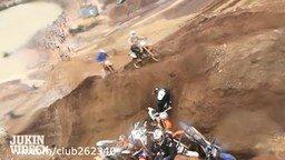 Ловушка для мотоциклистов смотреть видео прикол - 2:01