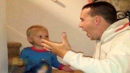 Папа ест сороконожку смотреть видео прикол - 0:43