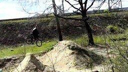 Эпичное падение с велосипеда смотреть видео прикол - 0:31