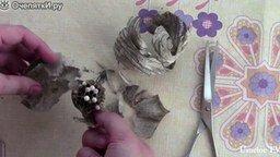 Смотреть Вскрываем гнездо ос