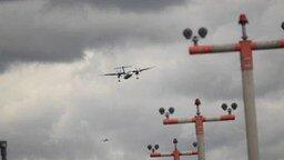 Смотреть Рискованные посадки в ветер