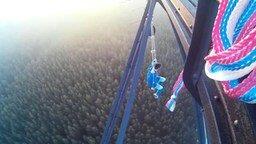 Смотреть Качели на большой высоте