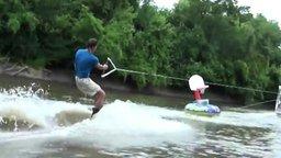 Рыбалка на ходу смотреть видео прикол - 0:37