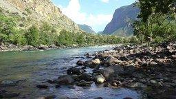 Смотреть Долина Чулышман на Алтае