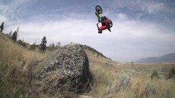 Смотреть Экстрим на кроссовом мотоцикле
