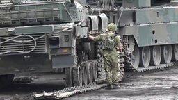 Как японцы танк чинили смотреть видео прикол - 11:30