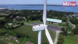 Смотреть Отдых на ветрогенераторе