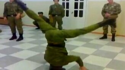 Безумная и непобедимая армия смотреть видео прикол - 1:18