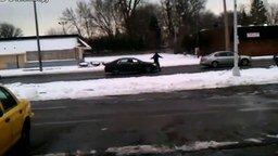 Помоги откатить машину! смотреть видео прикол - 0:46