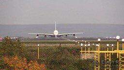 Смотреть Красивый взлёт самолёта