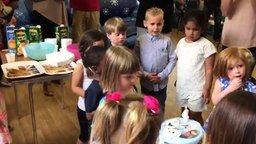 Смотреть Как испортить настроение на день рождения