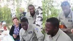 Смотреть Господа офицеры от темнокожих солдат