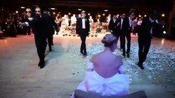 Смотреть Сюрприз для невесты от жениха