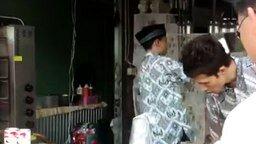 Мастер приготовления тайского чая смотреть видео - 0:35