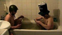 Петарды в ванной смотреть видео прикол - 0:52
