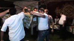 Однажды на азербайджанской свадьбе смотреть видео прикол - 0:30