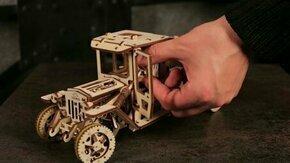 Смотреть Модель грузовичка из дерева