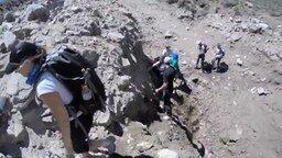 Смотреть Что может случиться в горах