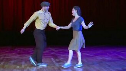 Смотреть Задорный парный танец