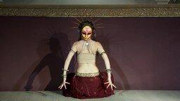 Смотреть Завораживающий женский танец