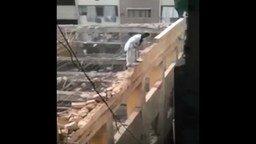 Как арабы здания сносят смотреть видео прикол - 1:56