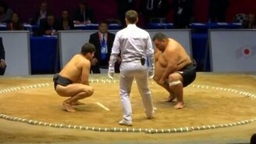 Русский сумоист против нерусского смотреть видео - 1:26