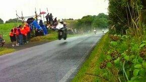 Смотреть Бешеная скорость мотоциклистов