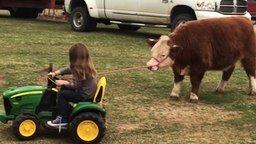 Смотреть Маленькая фермерша