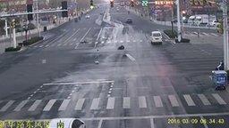 Людям Китая чуждо сострадание смотреть видео - 1:24