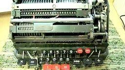 Смотреть Делим на ноль на механическом калькуляторе