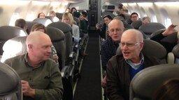 Смотреть Певчий ансамбль на борту самолёта