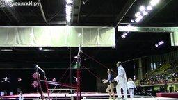 Как тренер спас гимнастку смотреть видео прикол - 1:25
